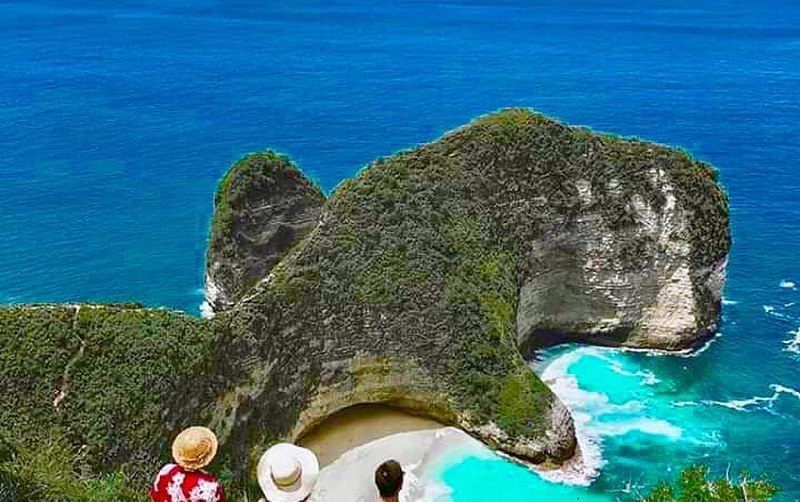 Most thrillingSurfing Spots in Bali