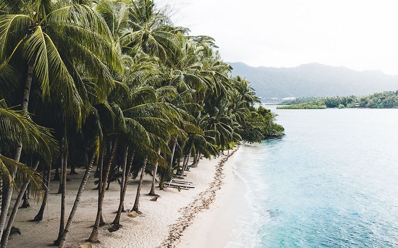 Relaxing Beach Vacation At Palawan